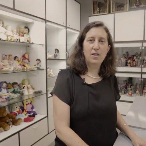 החדרים הנסתרים של אגף הנוער עם אורנה גרנות, אוצרת-משנה לאיור ספרי ילדים