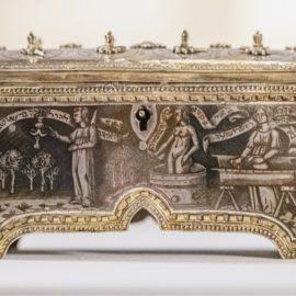 תעלומה במוזיאון – סיפורה של תיבה